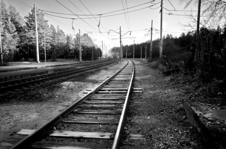 rail-3185179455_6ecb9d8b8b_o-flickr-n.r.
